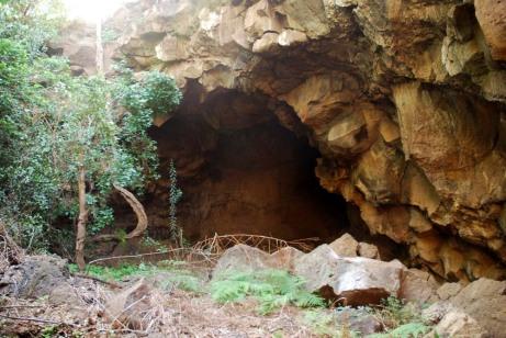 suswa cave entrance